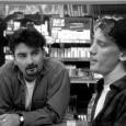 Dante e Randall sono due commessi di due negozietti della provincia americana: il primo, paziente e disponibile (quando ci riesce), gestisce un minimarket persino nel suo giorno di riposo, il […]